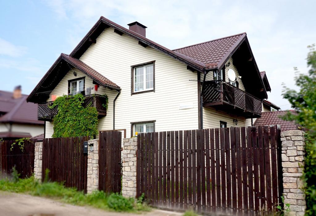 Двухсемейный дом