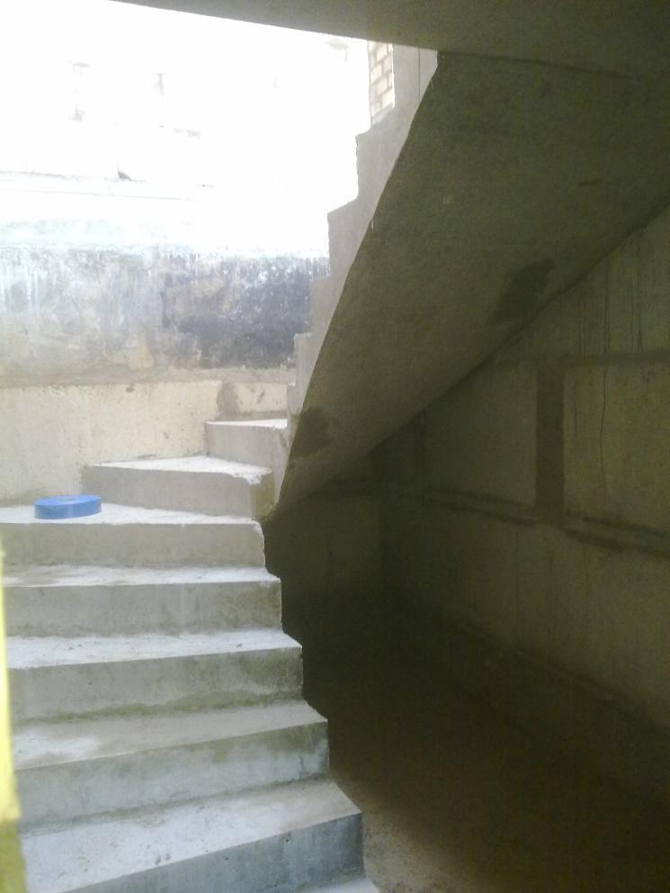 Железобетонная поворотная лестница